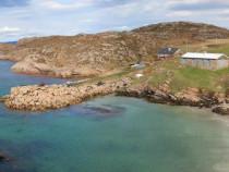 Walking,Tor Mor beach , Bull Hole. Fionnphort , Ross of Mull