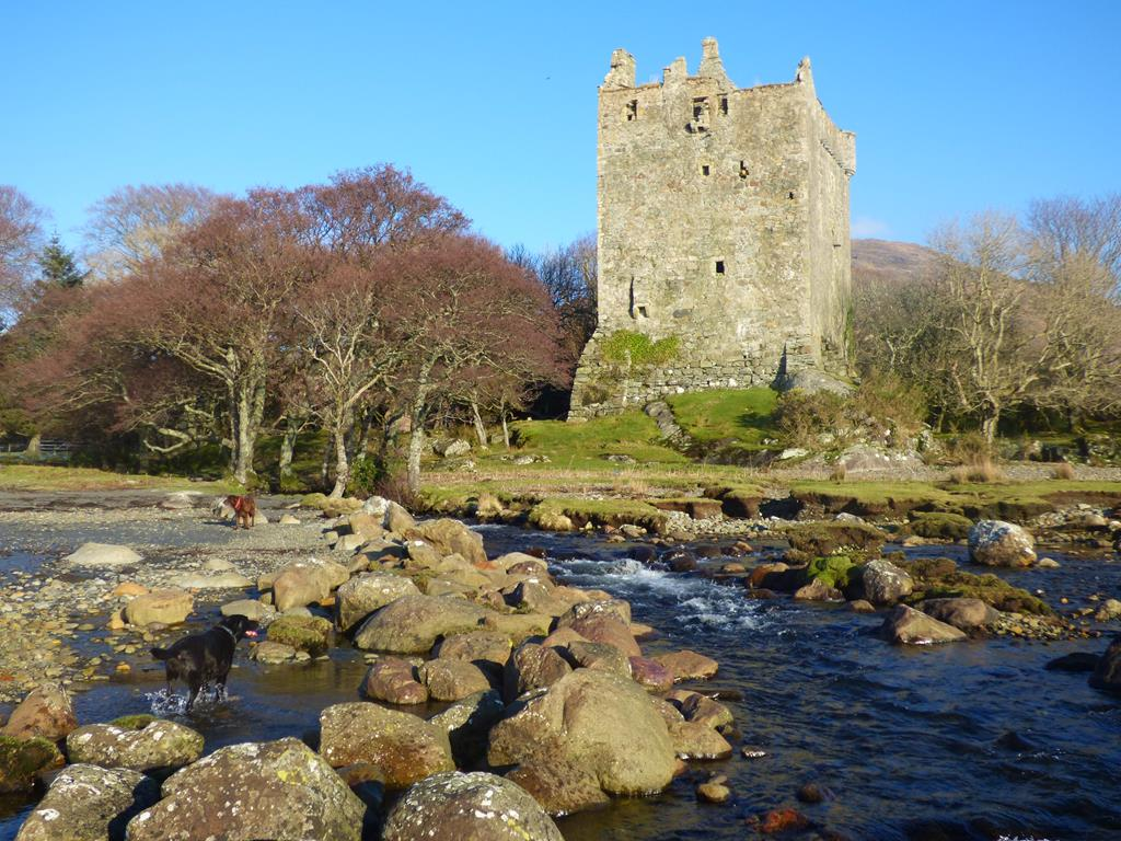 Moy Castle,Mull, Walking