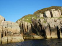 Erraid basalt dyke in Red granite Mull