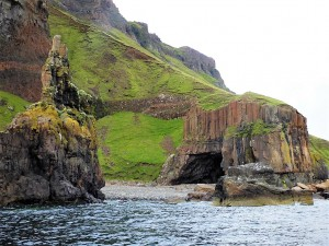 Walks on Mull, Carsaig Arches, Mull